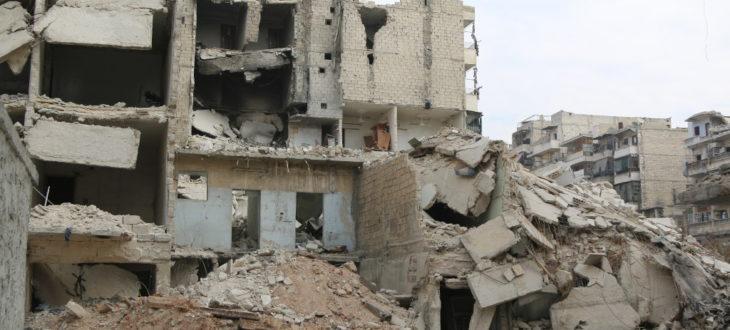 戦闘のため破壊されたシリア北部の都市アレッポ